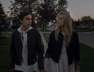 映画「イット・フォローズ」フル動画を無料視聴(字幕&吹き替え)!HuluやNetflixで見れる?
